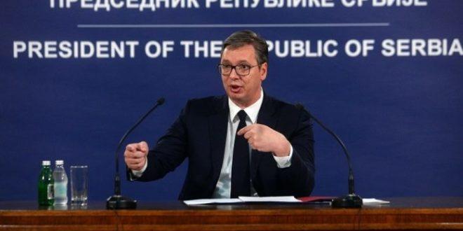 """Kо је заиста писао Вучићев """"ауторски"""" текст у Политици?!"""