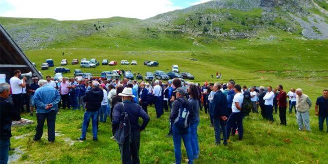 Становници Сињајевине бране своју планину и од Милове војске и од НАТО 1