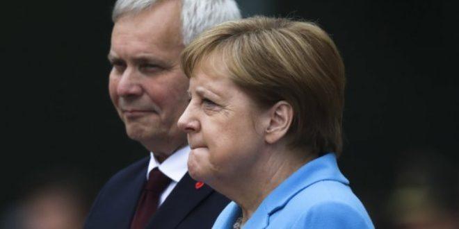 """Меркелова кад је ухвати трескавица само понавља """"успећу, успећу"""" (видео) 1"""