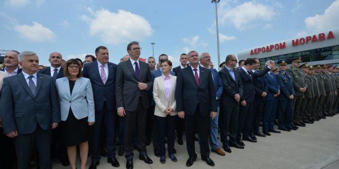 Помпезно отворен аеродром Морава добио радно време - отворен средом од 12 до 14 1