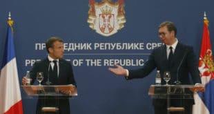 Макрон у сред Београда завалио шамарчину Вучићу, нема ништа од уласка у ЕУ! 11