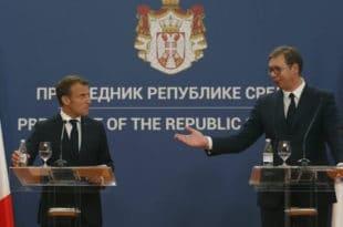 Макрон у сред Београда завалио шамарчину Вучићу, нема ништа од уласка у ЕУ! 12