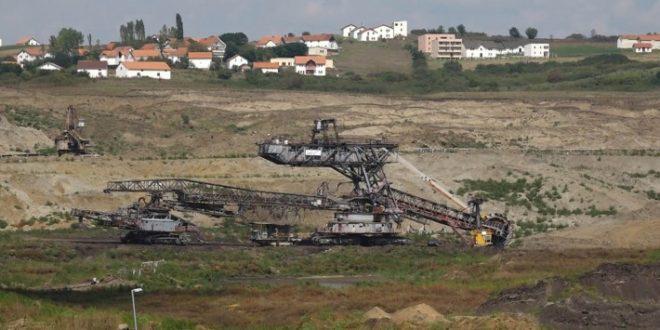 На Косову има угља за следећих двеста година. То вас изгледа не занима. 1