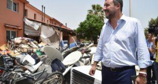 """Салвини затворио """"највећи центар за мигранте"""" у Европи 1"""