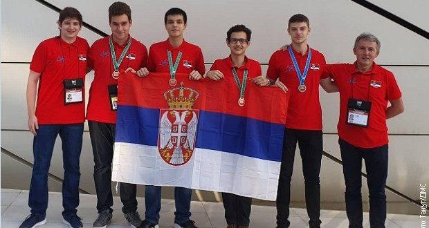 ДЕЦА ЗА ПОШТОВАЊЕ: Четири медаље за српске информатичаре у Азербејџану 1
