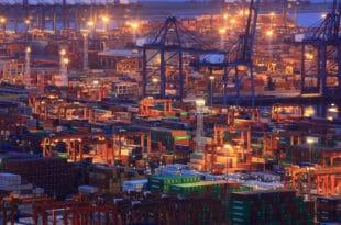 Потпуни трговински рат: Трамп повећава царине на кинеску робу у вредности од 550 милијарди долара