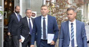 ЕУ на све начине хоће да Вучићу омогући легитимитет како би предао Косово шиптарским терористима 12