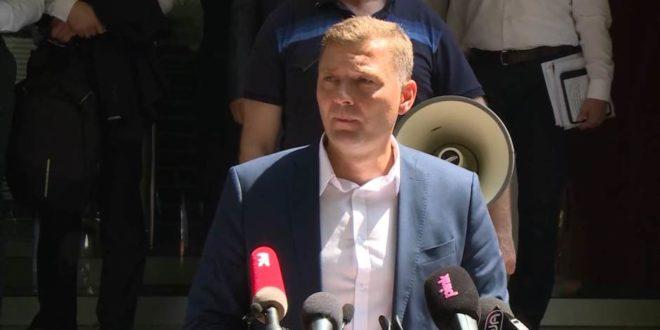 Странка Заједно за Србију Небојше Зеленовића донела одлуку да бојкутује наредне изборе 1
