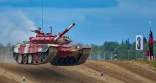 Војска Србије у полуфиналу тенковског биатлона у Русији (видео)