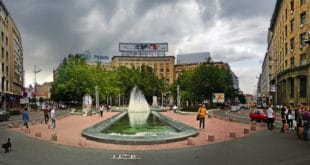 Београд: Напредни идиоти са Трга Николе Пашића уклањају легендарну фонтану! 4