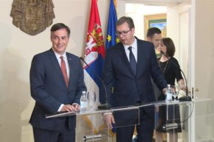 Дан после посете ЕУ комесара Вучић хапшењима почео предизборни обрачун са Ђиласом