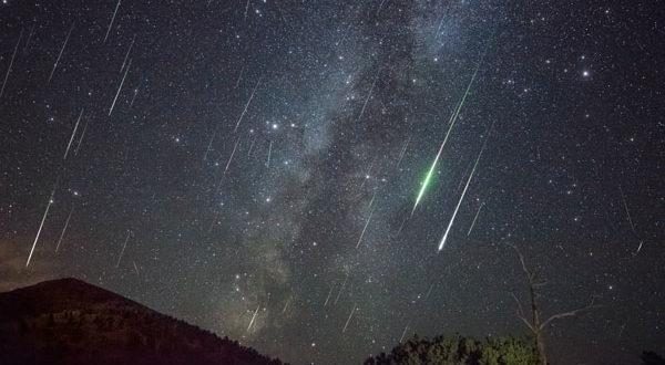 Спремите се за звездани спектакл: Kиша метеора и пун Месец у истој ноћи