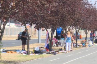 """Србија: Народ уверавају у """"златно доба"""", а 1,8 милиона људи живи на ивици сиромаштва"""