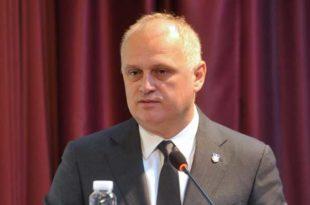 За тебе Весићу и екипу има да отворимо специјалну и ванредну линију Београд-Забела!