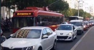 Центар Београда је већ данима у тоталном саобраћајном колапсу док се напредни идиоти праве луди (видео) 11