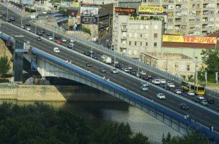 Цео Београд смрди на говна а напредњаци улупали 150 милиона динара на осветљење Бранковог моста! 7