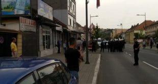 Ваљевци спречили шетњу хомосексуалаца градом (видео) 11