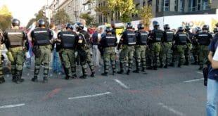 Православни Срби протестују против одржавања геј параде у центру Београда 7