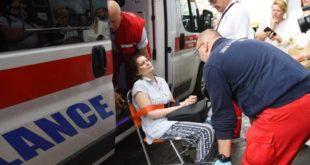 Полиција сломила жени руку приликом принудног исељења, везану је одвезли у хитну (фото) 8