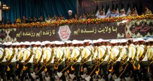 Техеран показао усавршену балистичку ракету, Рохани позвао Запад да напусти Персијски залив 13