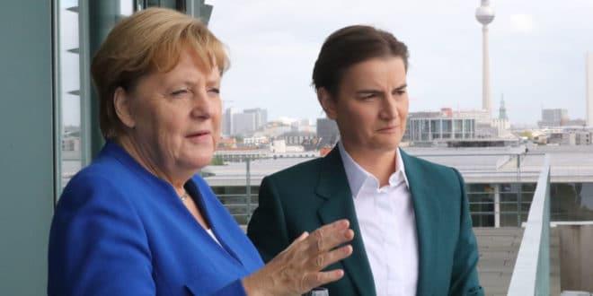 Ти Меркелова Србима прво да исплатиш 350 милијарди € ратне одштете а за остало ћемо да се договоримо... 1