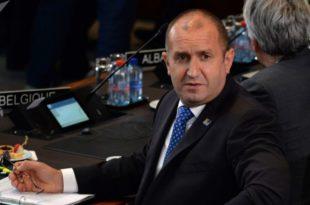 Председник Бугарске се пожалио да земљом управљају телефоном 13