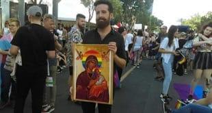 ВЕРСKА МРЖЊА? ЛГБТ активисти оскрнавили икону Богородице на геј маршу а СПЦ ћути као заливена?! 9