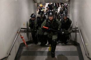 """Хонгконг се приближава """"црвеној линији"""" преко које Пекинг неће прећи 2"""