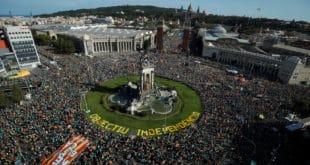 Више од пола милиона Каталонаца опет тражи отцепљење од Шпаније (видео)