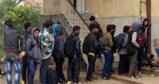 Банде мигранта у Kуршумлији нападају људе и отимају аутомобиле!