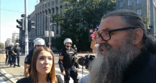 Београд: Интервју монаха Антонија Н1 у вези данашњих протеста који није објављен (видео) 1