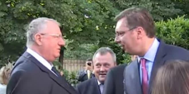 И, шта кажете: и Вучић и Шешељ за излазак на изборе расписане по Уставу и закону лажне државе Kосово? 1
