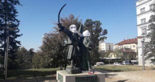 Београд: Милошу Обреновићу и Николи Пашићу покривене главе да не гледају српску срамоту (фото) 9
