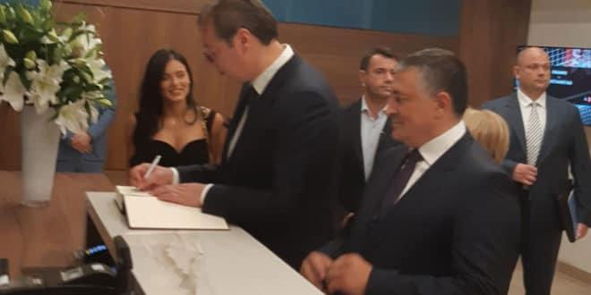 Вучић свечано отворио приватни мотел ћерке Ивице Тончева 1
