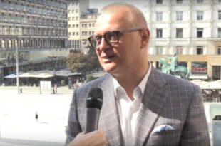 Београд: Напредни функционални идиоти већ реновирани Трг републике поново реновирају