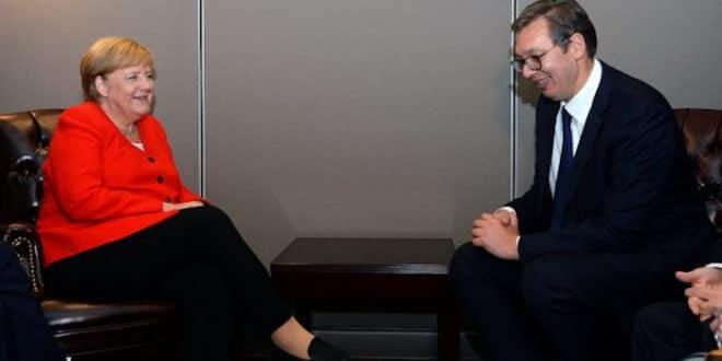 Вучић са Меркел хоће да разбије СзС и да на изборе изведе Демократску странку