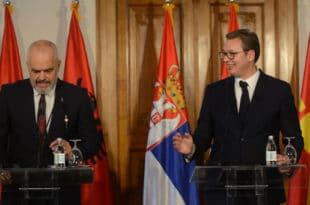 """Отму ти територију, желе још, праве """"Велику Албанију"""" па са њима направиш """"Мали Шенген"""" за лакши """"проток""""?!"""