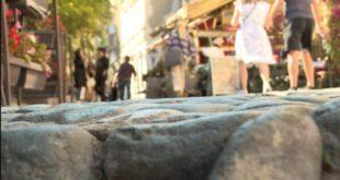 НАПРЕДНО: Годину дана од реконструкције Скадарлија се распада (видео)