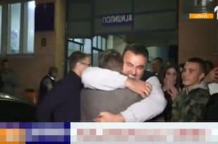 Да би се министар Стефановић сликао за медије полиција киднапованог дечака држала сатима! (видео)