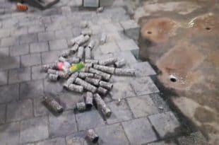 Коцке које су поставили на Тргу Републике поново скидали да би направили скарабуџену дренажу (видео) 7