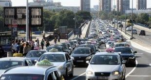 """3. ДАН БЛОКАДЕ БЕОГРАДА: Таксисти блокирали центар града певајући """"Марш на Дрину"""" 6"""