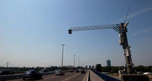 На аутопуту Београд-Ниш постављено 56 камера на 14 портала у оба смера, које ће снимати возила и мерити просечну брзину 2