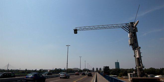 На аутопуту Београд-Ниш постављено 56 камера на 14 портала у оба смера, које ће снимати возила и мерити просечну брзину