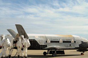 Амерички мини-шатл X-37B тајно изнео у космос неколико мистериозних малих сателита
