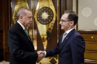 Почело је: Ердоган јавно `ишамарао` шефа дипломатије Ангеле Меркел 1