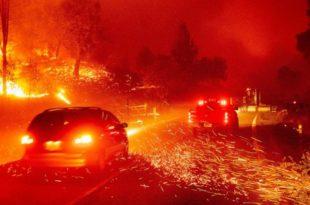 Калифорнија: Због масовних пожара наређена евакуација преко 50.000 људи (видео)
