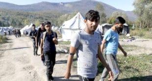 Срби из Босанског Петровца: Одбранићемо се од миграната, ситуација је алармантна