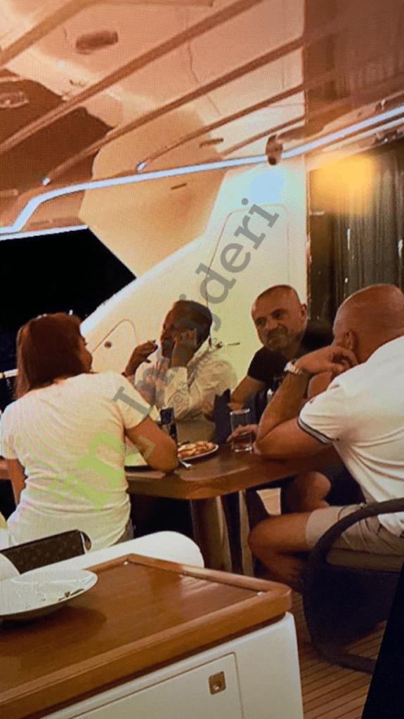 ОБРАДОВИЋ: Фотографије са јахте крај лажног патриотизма, Вучићу – оставка 2
