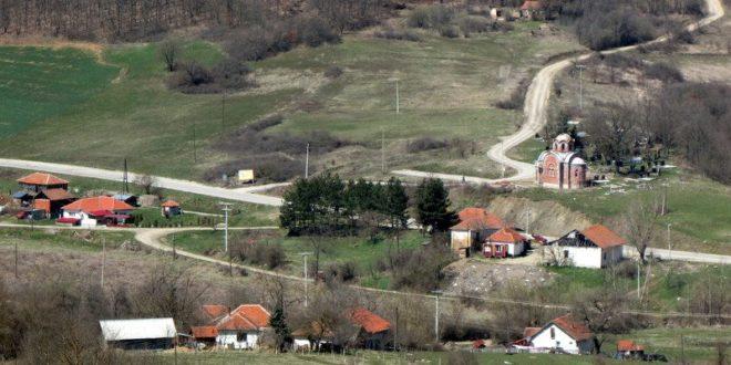Мигранти покушали да провале у кућу у селу Мердаре – одвратила их жена са секиром