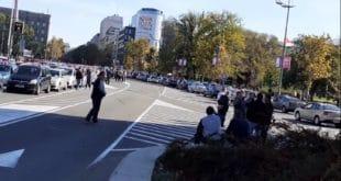 Полиција блокирала таксисте у Новом Саду, потпуни колапс у центру Београда (фото, видео) 7